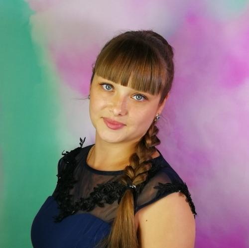 Юлия, офис менеджер