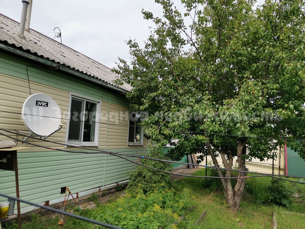 1801. Дом рядом с озером